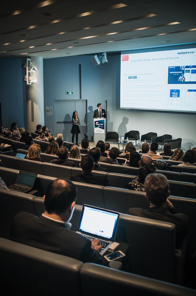 Elsa Esteban (Iéseg, à gauche) et Yvon Moysan (Iéseg/Saint Germain Consulting) - IN BANQUE 2017 - Crédit photo : Guillermo Gomez
